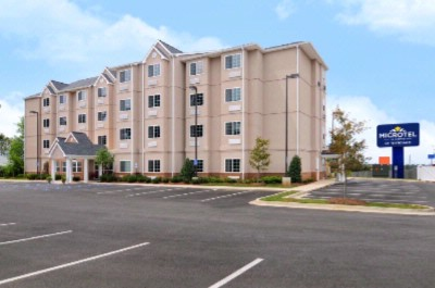 Microtel Inn & Suites by Wyndham Tuscaloosa 1 of 15