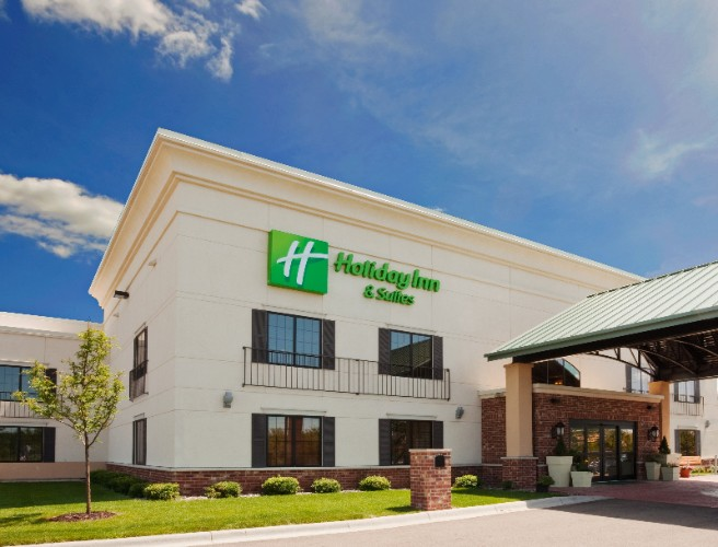 Holiday Inn Hotel & Suites Lakeville 1 of 29