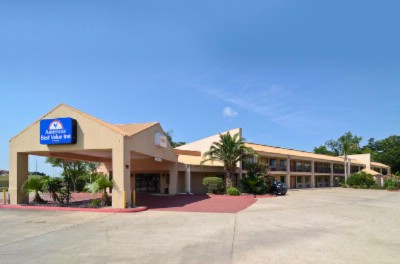 Americas Best Value Innlake Charles 3 of 10