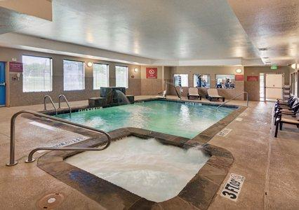 Indoor Swimming Pool 7 of 13