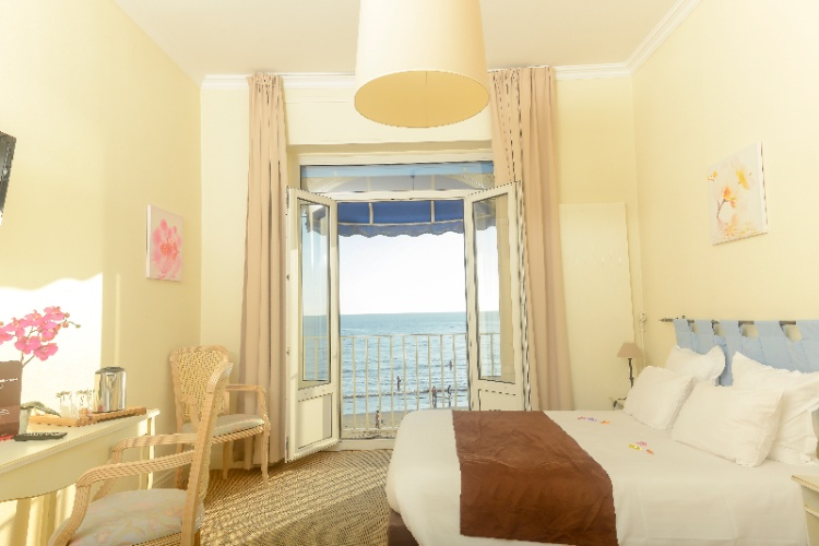 Double Room With Seaview 10 of 20