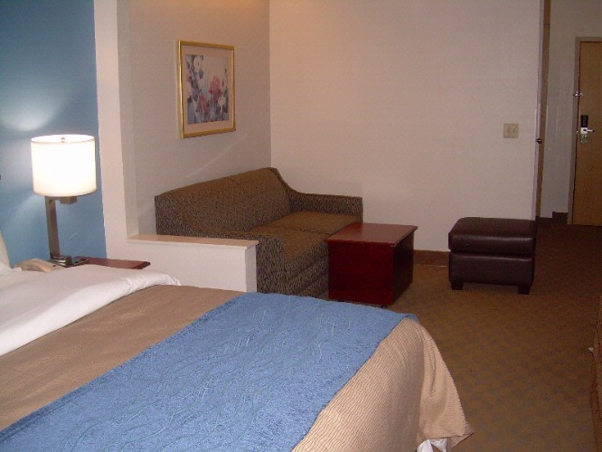 Leisure Suite With King Bed 9 of 16