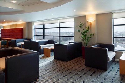 Image of Holiday Inn Express London Luton Airport