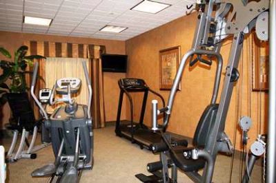 Fitness Room 15 of 22