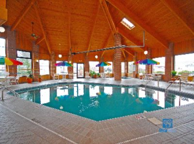 Heated Indoor Pool & Jacuzzi 3 of 10