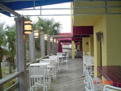 Outdoor Patio & Beach Front Bar 22 of 31