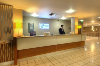 Front Desk 6 of 9
