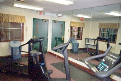 Fitness Center 7 of 10