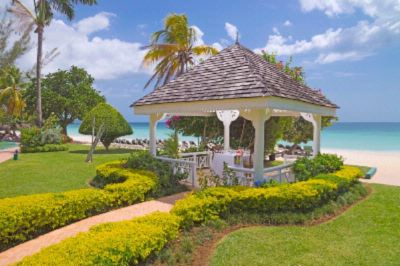 Seashore Wedding Gazebo 4 of 10