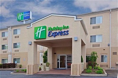 Holiday Inn Express Middletown 1 of 8