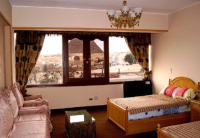 Standard Room With View Of The Pyramids & Sphinx 3 of 8