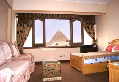 Standard Room With View Of The Pyramids & Sphinx 4 of 8