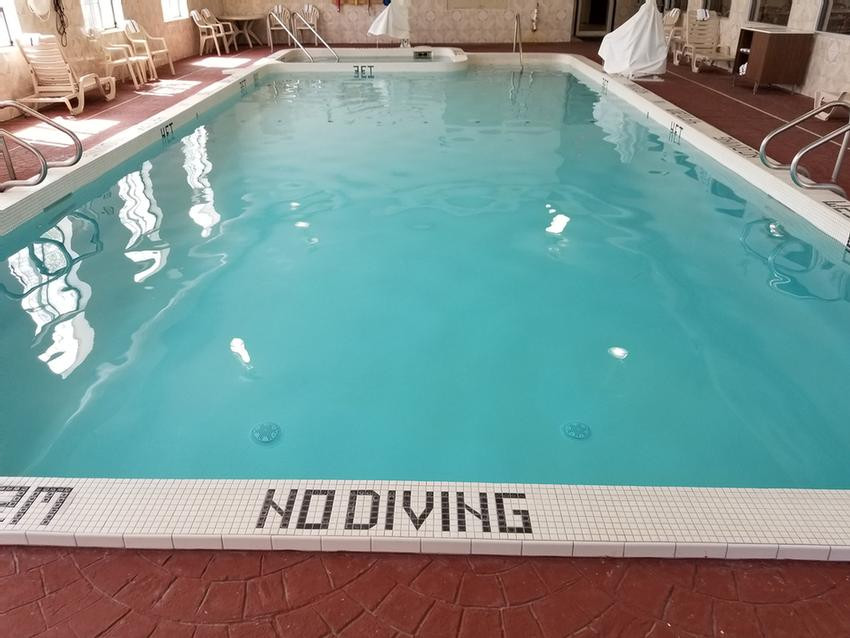 Heated Indoor Pool And Jacuzzi 6 of 10
