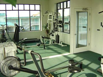 Fitness Room 5 of 9