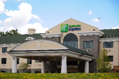 Holiday Inn Express Syracuse Airport 1 of 11