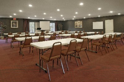 Meeting Room For Up To 100 6 of 11