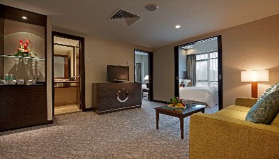 Eastin Family Deluxe -Lounge Area 5 of 16