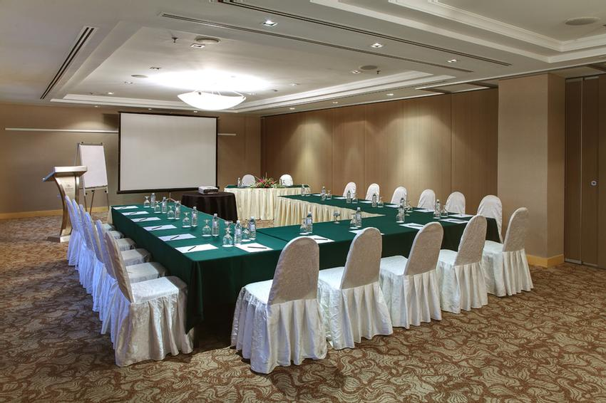 Serunai Meeting Room 8 of 15
