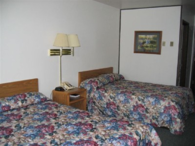 Basic Double Room 5 of 8