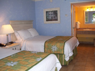 Standard Room With 2 Double Beds 4 of 17