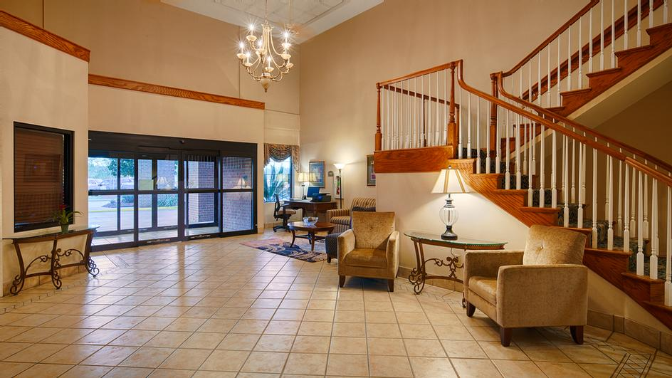 Our Spacious Lobby 3 of 8