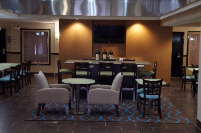Hotel Lobby And Breakfast Area 3 of 6