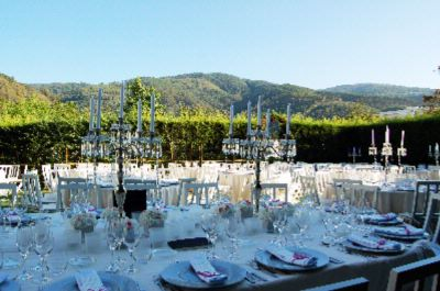 Banqueting In The Gardens 10 of 13