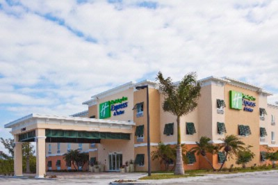 Image of Holiday Inn Express & Suites Marathon