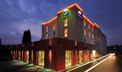 HOTEL CLERMONT ESTAING ClermontFerrand 61 Rue Du Ressort 63100