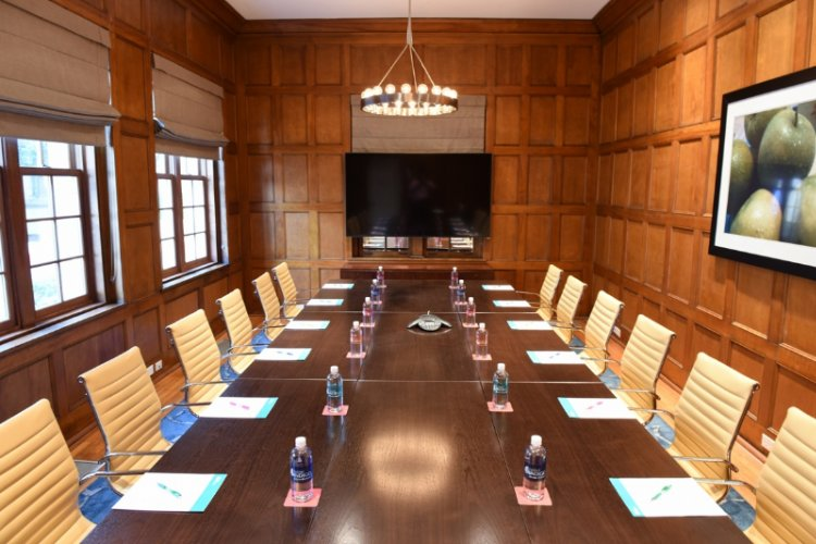 Cooley\'s Meeting Room 6 of 15