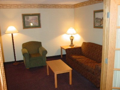 Large Variety Of Rooms Available From Standard Rooms To 2-Room Whirlpool/fireplace Suites 4 of 7