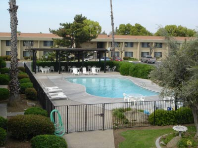 Image of Red Roof Inn Fresno Yosemite Gateway