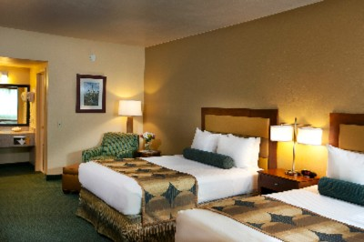 Our 2 Queen Bedded Rooms Are Perfect For Families. 11 of 17
