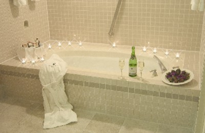 Our Jacuzzi Suite Is Perfect For Those Romantic Celebrations 7 of 10