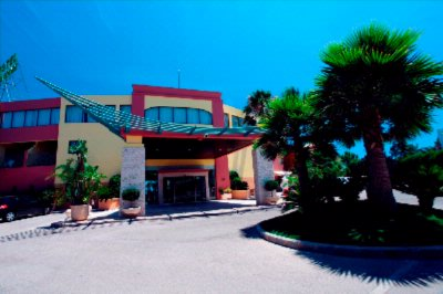 Hotel´s Entrance 4 of 13