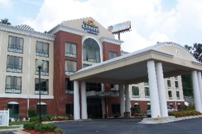Holiday Inn Express Hotel & Suites 1 of 11