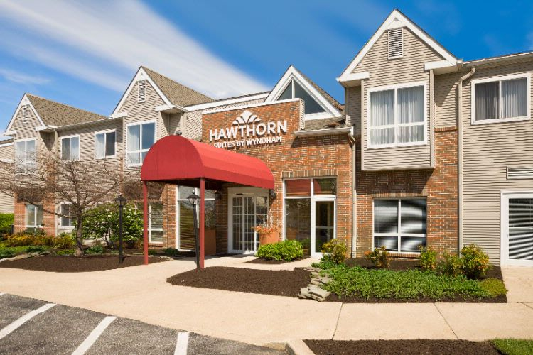 Hawthorn Suites by Wyndham Phl Airport 1 of 17