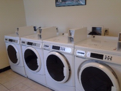 Coin Laundry Room 6 of 6