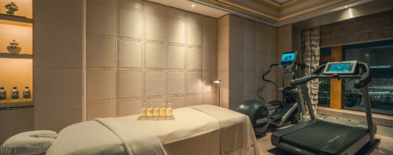 Presidential Suite Massage Room 10 of 15