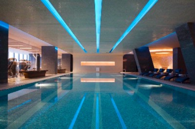 Indoor Swimming Pool 9 of 10