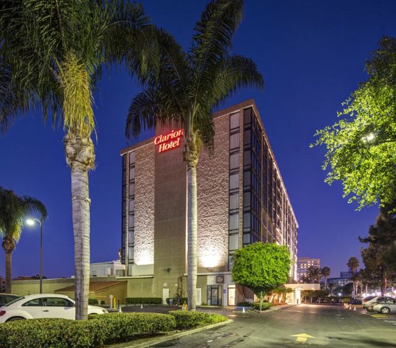 Clarion Hotel Anaheim Resort 1 of 12