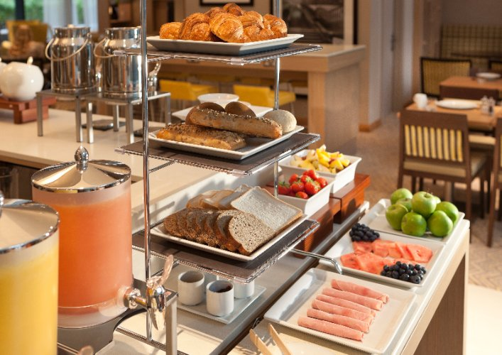Complimentary Hot And Cold Buffet Breakfast 10 of 16