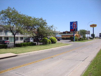 Motel 6 Airport 1 of 6