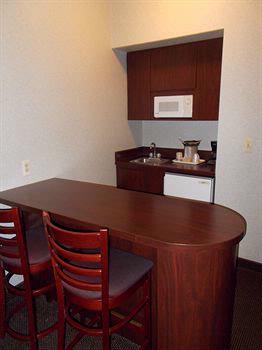 Kitchenette And Breakfast Bar 14 of 29