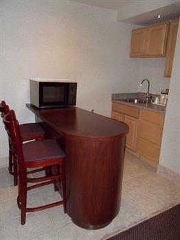 Kitchenette And Breakfast Bar 15 of 29