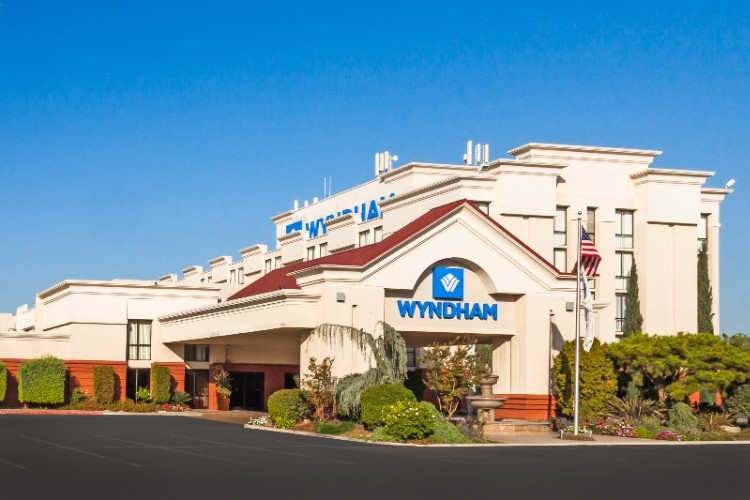 Wyndham Visalia 1 of 3