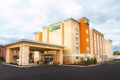 Holiday Inn Express Toledo North 1 of 11