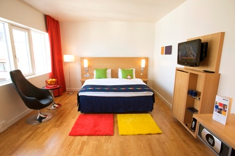 All Rooms Offer Individual Climate Control Flat Screen Televisions Free Wireless Internet Iron And Ironing Board And Coffee And Tea Making Facilities. 7 of 16